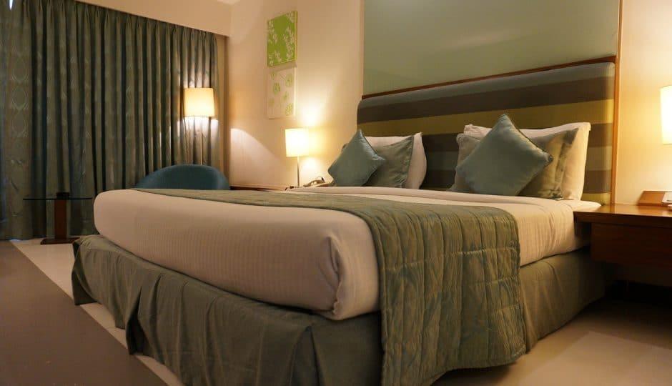 Des hôtels éparpillés un peu partout en france vous font profiter de leur confort et de leur situation géographique