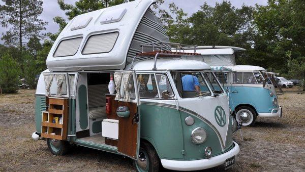 Quoi choisir entre un van et un camping-car pour les vacances