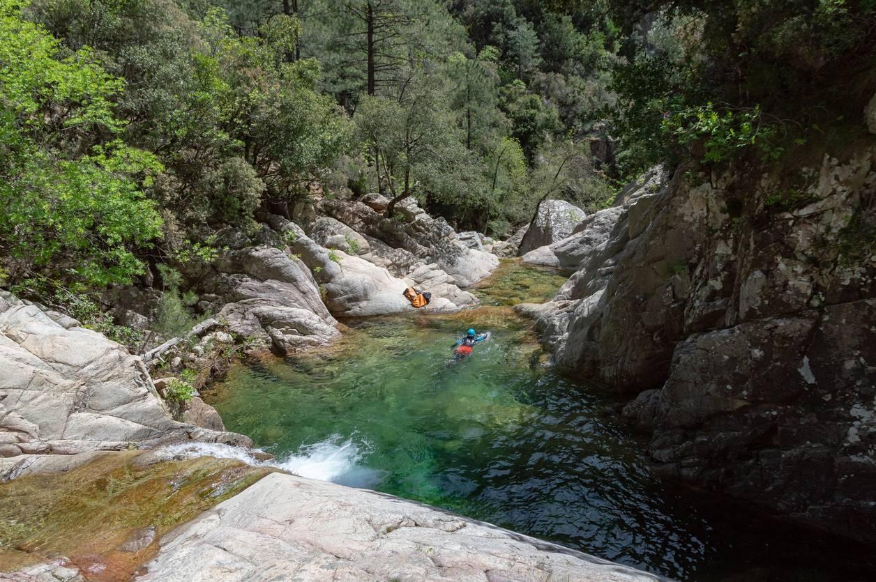 canyoning sources du Tarn activité sportive aquatique